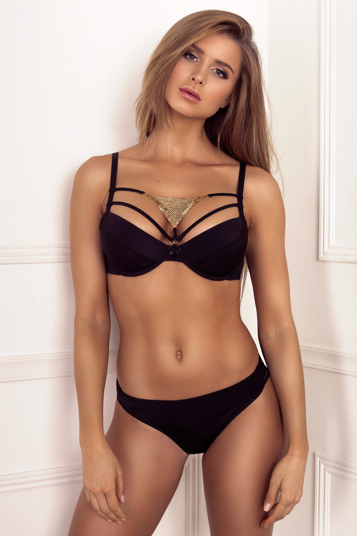 Golden Triangle Black Set